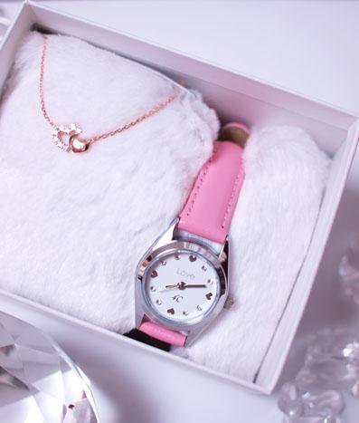時計とネックレス