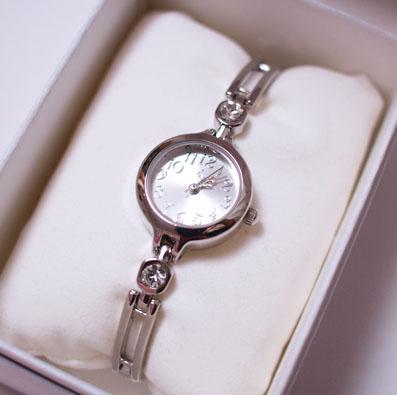 お手ごろ価格の時計