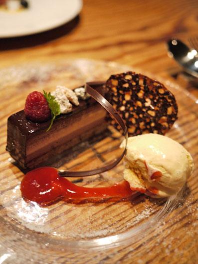 チョコレートのムースとカフェ・ブリュレ