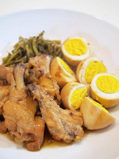 鶏肉と玉子を煮てみました