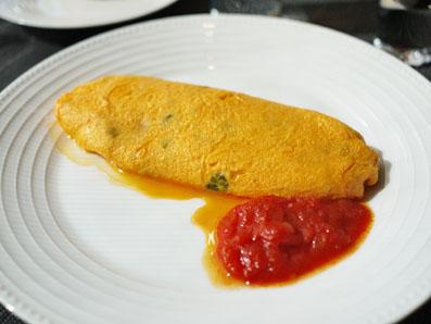 ハーブ地鶏のオムレツ