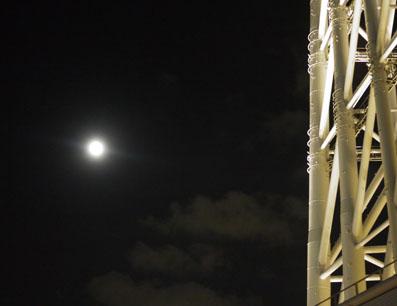 月が綺麗な夜