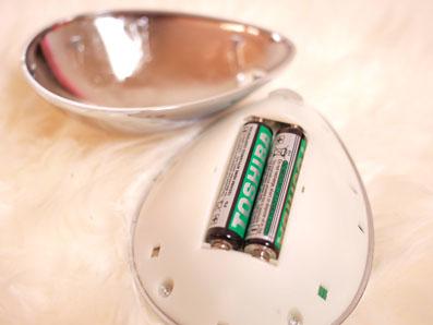 単4乾電池で動きます
