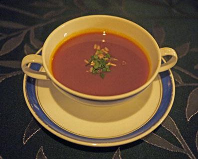 海の幸のエキスのスープ、ロワイヤル仕立て