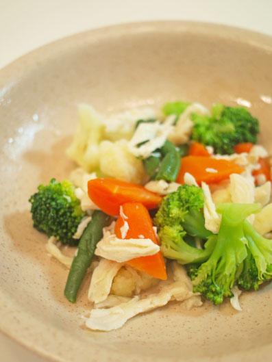 コンソメ味の温野菜サラダ