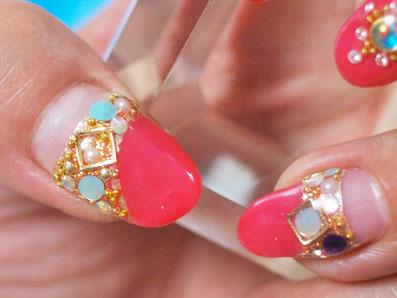 親指と薬指
