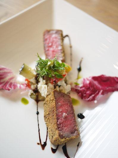 「鳥取和牛オレイン55」の肉厚ミラネーゼ