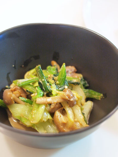 野菜としめじのわさび胡麻マヨ和え