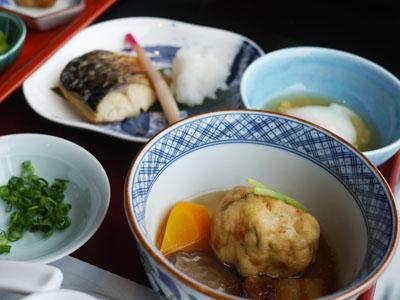 煮物、焼魚、温泉玉子
