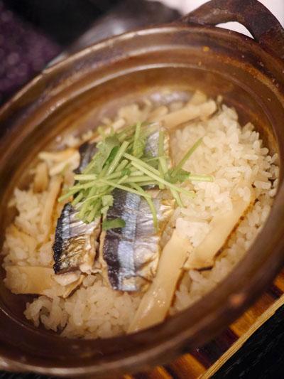 松茸と秋刀魚の土鍋御飯