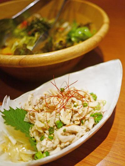 鶏皮柚子胡椒ポン酢とチョレギサラダ