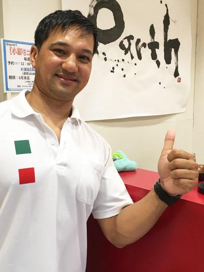 ネパール人のトレーナーさん
