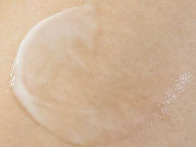 肌引き締め美容液・クラランス「トータル V セラム」