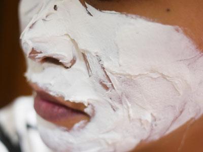 顔の下半分に使ってむくみケア