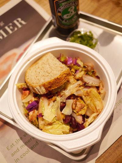 野菜炒めにも近いホットサラダ