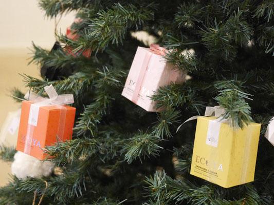 ECOYAのキャンドルのパッケージ