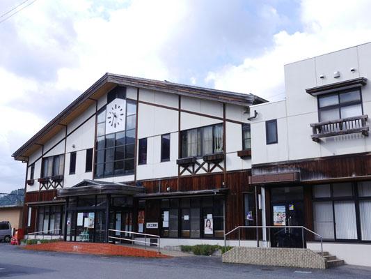 江府町・江尾駅
