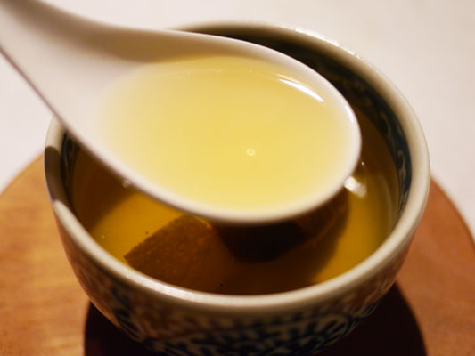 滋味深い味のスープ