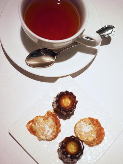 ル・クール プティフールと紅茶