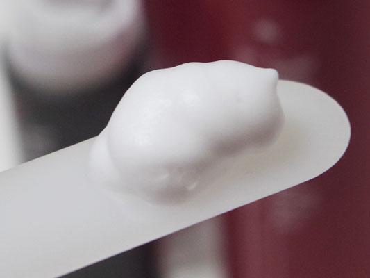 泡で出てくる炭酸シャンプー