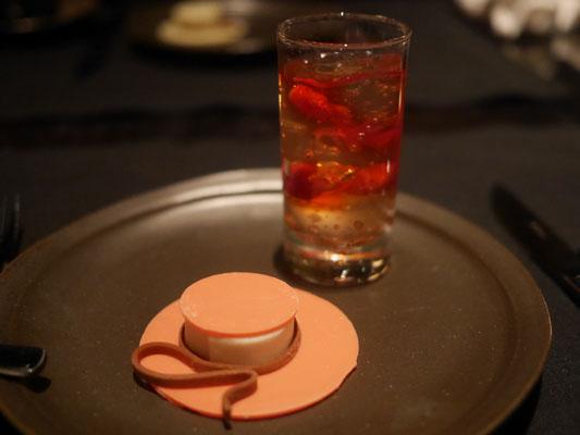 アマン東京 フレーズデボワとシャンパンゼリー チョコレートハット