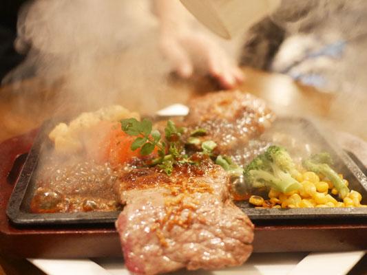 秋葉原バル・モンパカ MONPACAのステーキ
