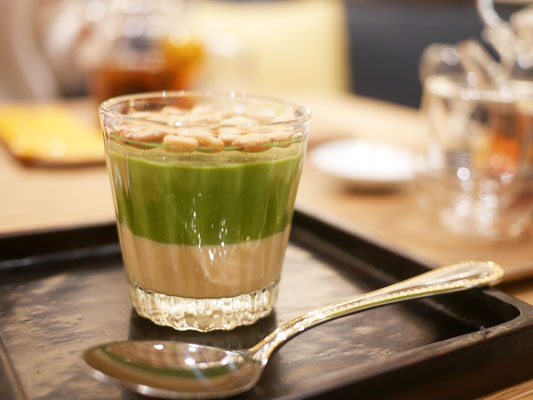 銀座 AWATOKYO グラススイーツ 抹茶