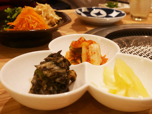 津田沼 焼肉寿司 ナムルとキムチの盛り合わせ
