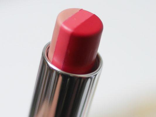3色が1本担った口紅 メイベリン ラズベリーレッド