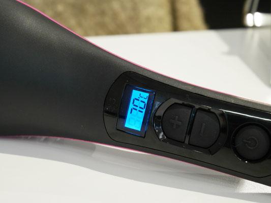 ブラシ型ヘアアイロン「シンプリーストレート」温度設定