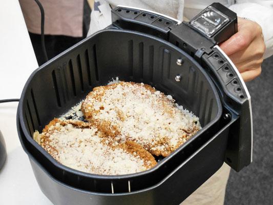カラーラで揚げ物温め チーズトンカツ