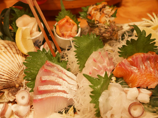 築地貝鮮 地酒の出浦 有楽町店 豪華7種魚貝盛り