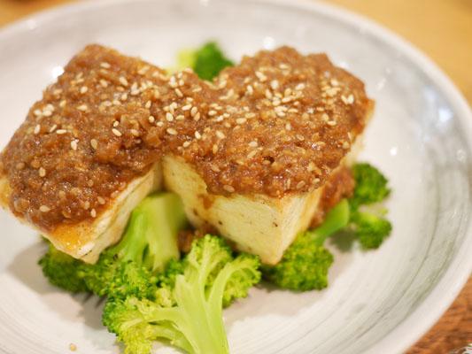 ローズベーカリー 銀座 豆腐ソテー セサミソース