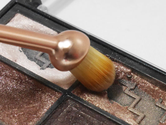 メイクアップレボリューション 歯ブラシ型ブラシ アイシャドウブラシ ブログ
