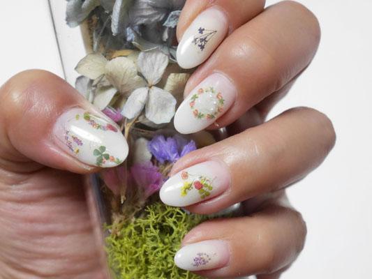 ほぼ100均ネイルしずくウォーターネイルシールを使った春の押し花ネイル