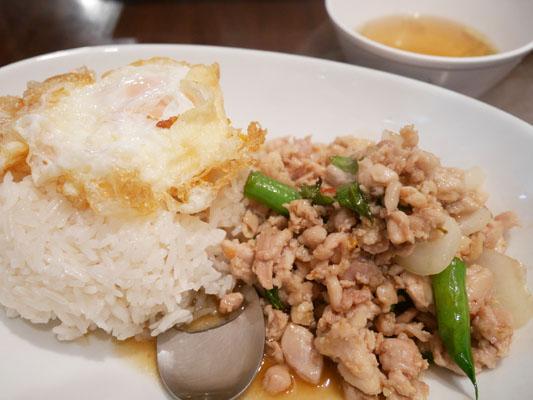 恵比寿 タイ料理 ランチ タイ屋台 ラオラオ ガパオランチ