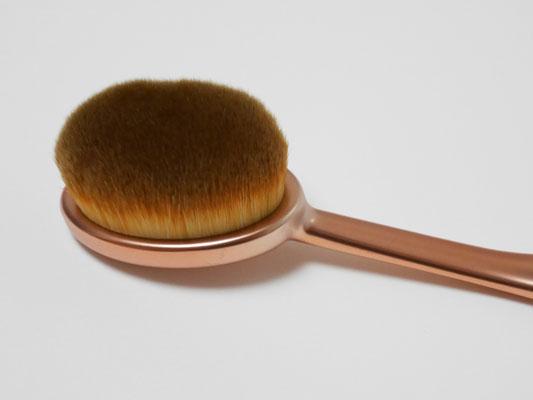 メイクアップレボリューション 歯ブラシ型ブラシ オーバル チークブラシ 感想