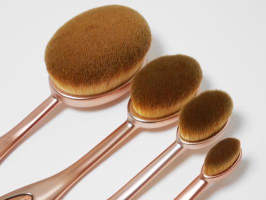 メイクアップレボリューション 歯ブラシ型ブラシ オーバル 4種類 違い
