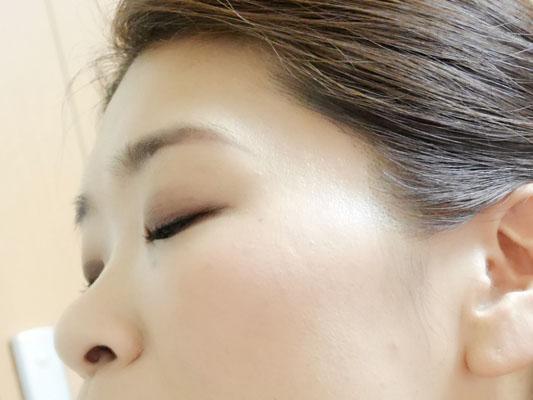 メイクアップレボリューション 歯ブラシ型チークブラシ 毛穴が消える