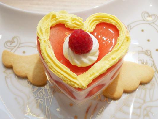 スイート・クライシス・ムーン・ケーキ Q-pot CAFE.(キューポットカフェ)×セーラームーンコラボ 店内