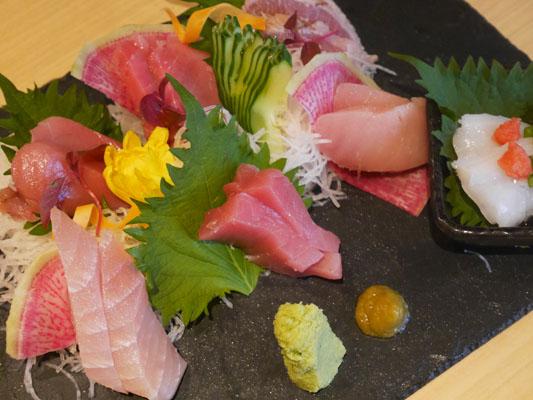 まぐろ料理専門店 マグロキッチン 浜松町店 マグロの食べ比べ盛り