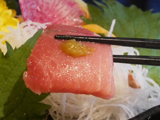 まぐろ料理専門店 マグロキッチン 浜松町店 トロを柚子胡椒で