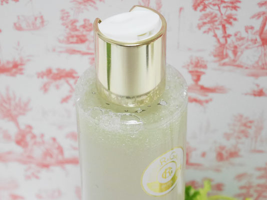 ロジェ・ガレ「オーラミラビリスウォーター」オイル化粧水 ふき取りと保湿が1本