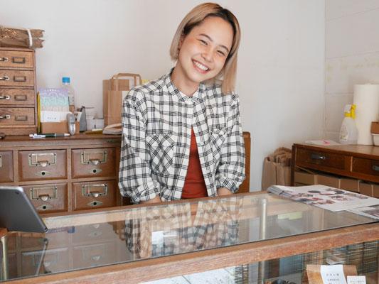 カヌレ堂 CANELE du JAPON お姉さんが可愛い 一押し大阪土産