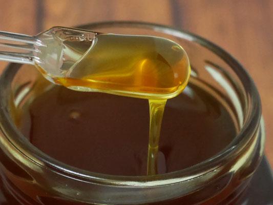 固まるハチミツ 滑らかなハチミツ