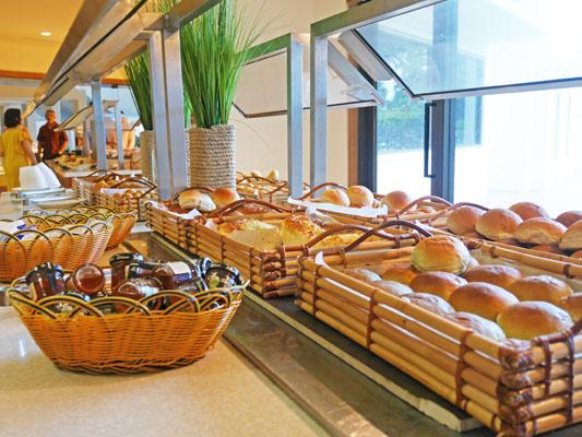 シェラトングアム 朝食 パンの種類