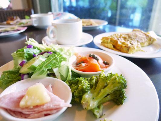 シェラトングアム 朝食 内容 お得? 食べるべき?
