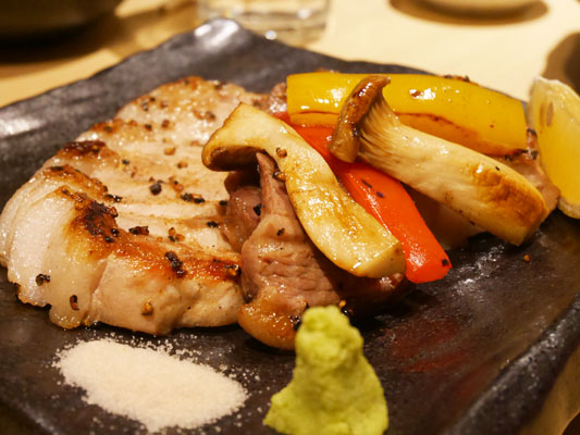 神田 居酒屋 蔵KOKORI ルイビ豚の溶岩焼き