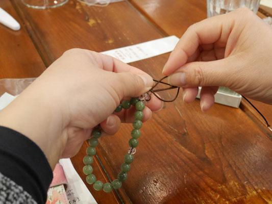 寺カフェ 数珠ブレス 手作り ワークショップ