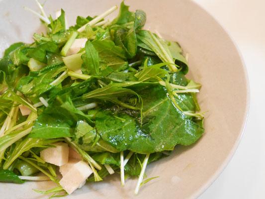 青山オーガニックマーケット ナチュラルハウス 小松菜とルッコラのサラダ